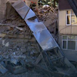 El derrumbe de un edificio en Georgia deja atrapadas a 15 personas