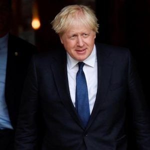Parlamento británico señala «fracaso» del gobierno a inicios de pandemia