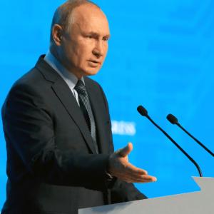 Rusia puede ayudar a Europa y no usará el gas como un arma, dice Putin